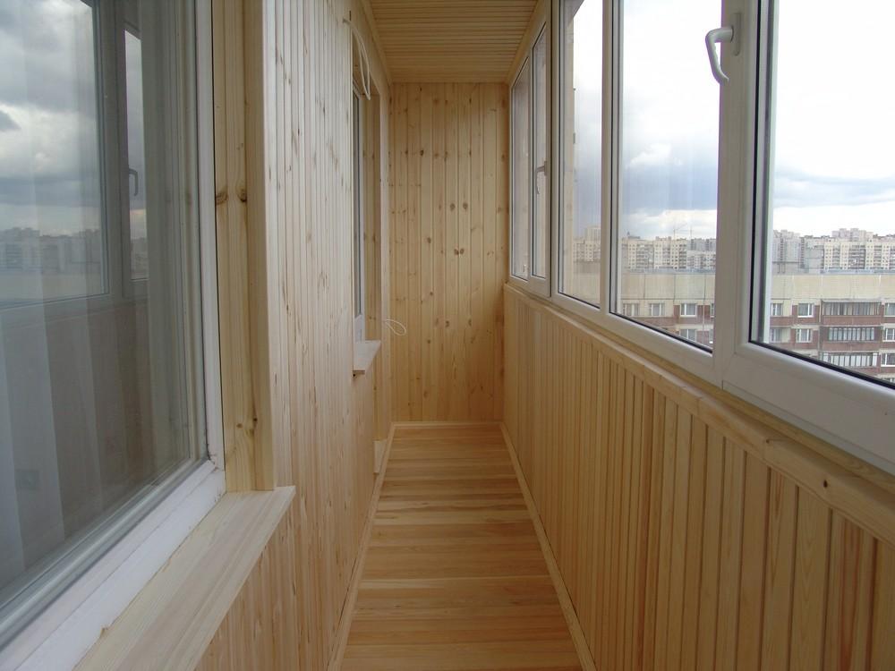 Отделка балконов и лоджий деревянной вагонкой. обшивка и ост.
