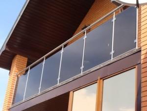 ograzhdeniya-iz-stekla-dlya-atriuma-balkona-terrasi-marshevi-236966b